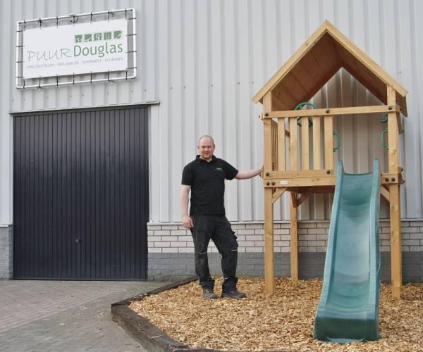 Puur Douglas: van speeltoestel in de achtertuin naar grote eigen werkplaats
