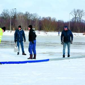 Voorbereiding voor opening ijsbaan Albergen
