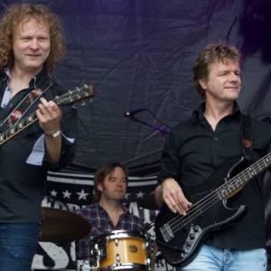 The Fortunate Sons rocken tijdens Kingsnight