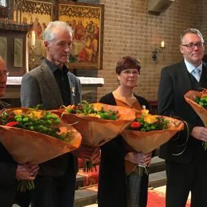 Sint Gregoriusspeld in zilver voor jubilarissen Reutumse Dames- en herenkoor