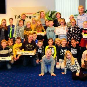 Kinderen Mariaschool in Langeveen ontbijten met burgemeester