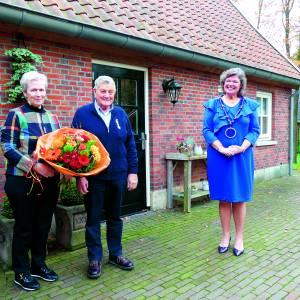 Koninklijke onderscheiding voor gebroeders Johan en Harrie Poppink uit Reutum