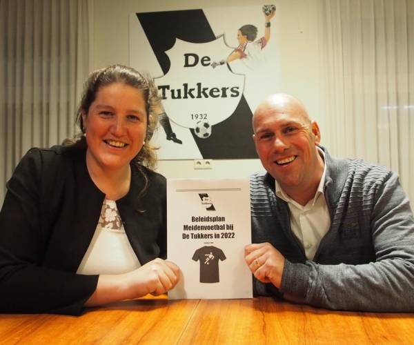 Presentatie beleidsplan 'Meidenvoetbal bij De Tukkers in 2022'