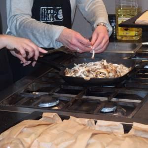 Kookworkshop voor mannen met kanker; samen koken, eten, praten, delen